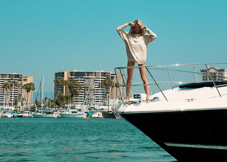Одежда для пляжа и отпуска Wildfox spring 2017 / Robin Marjolein and Victoria Germyn by Mark Hunter and Steven Meiers