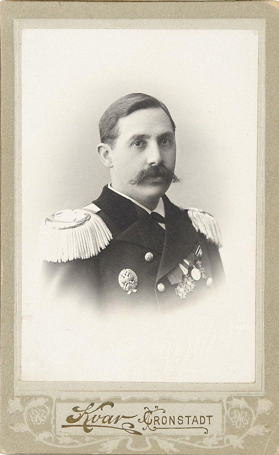 Фото подполковника Корпуса инженеров-механиков флота Чучугина Дмитрия Егоровича.  Кронштадт, 1905-1907