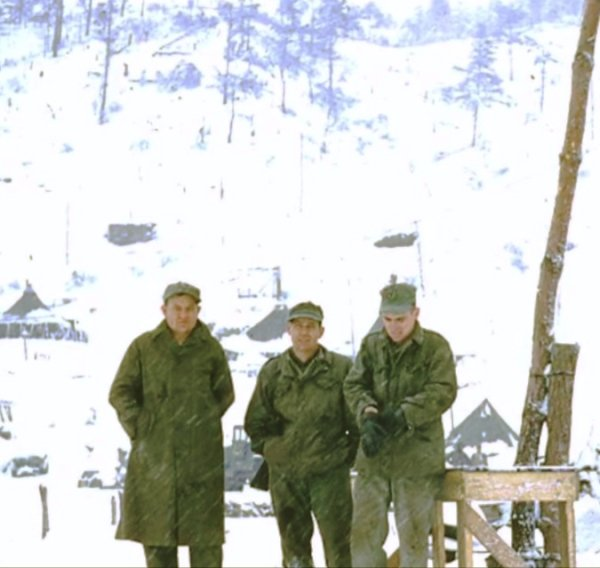 color-brings-brave-reality-to-the-korean-war-269.jpg