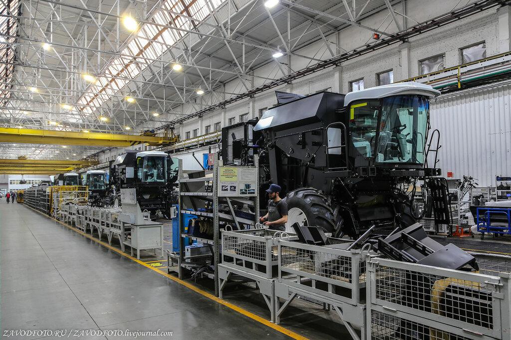 Где делают лучшие в мире комбайны завод, только, завода, здесь, комбайн, комбайны, производство, Кстати, комбайнов, техники, стране, конвейер, будет, Ростсельмаша, потом, первые, «Ростсельмаш», машин, собирают, машины