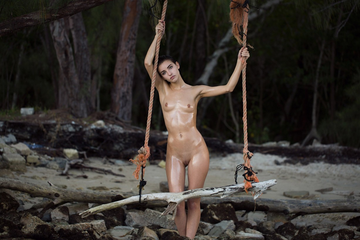 Shannon G nude by James Felix - Yume Magazine / Seashells