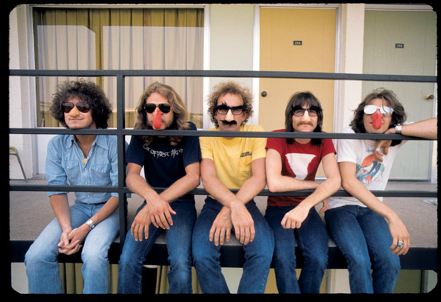 1975. «The Eagles»