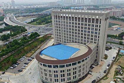 В Китае появился двенадцатиэтажный «унитаз»