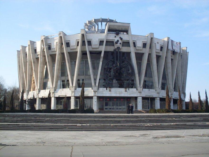 6. Кишиневский цирк (Молдова)