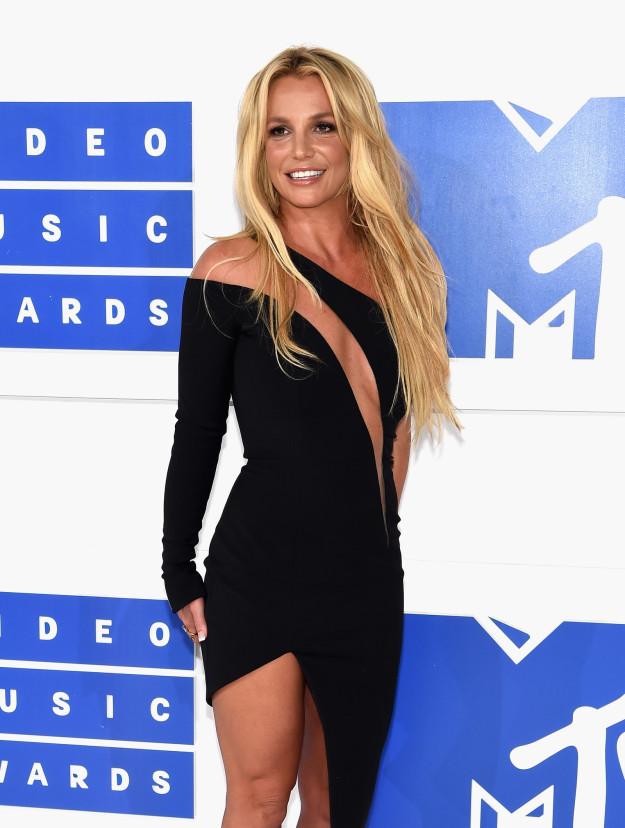Бритни в 2016 году на церемонии награждения за видеоклипы MTV Video Music Award.