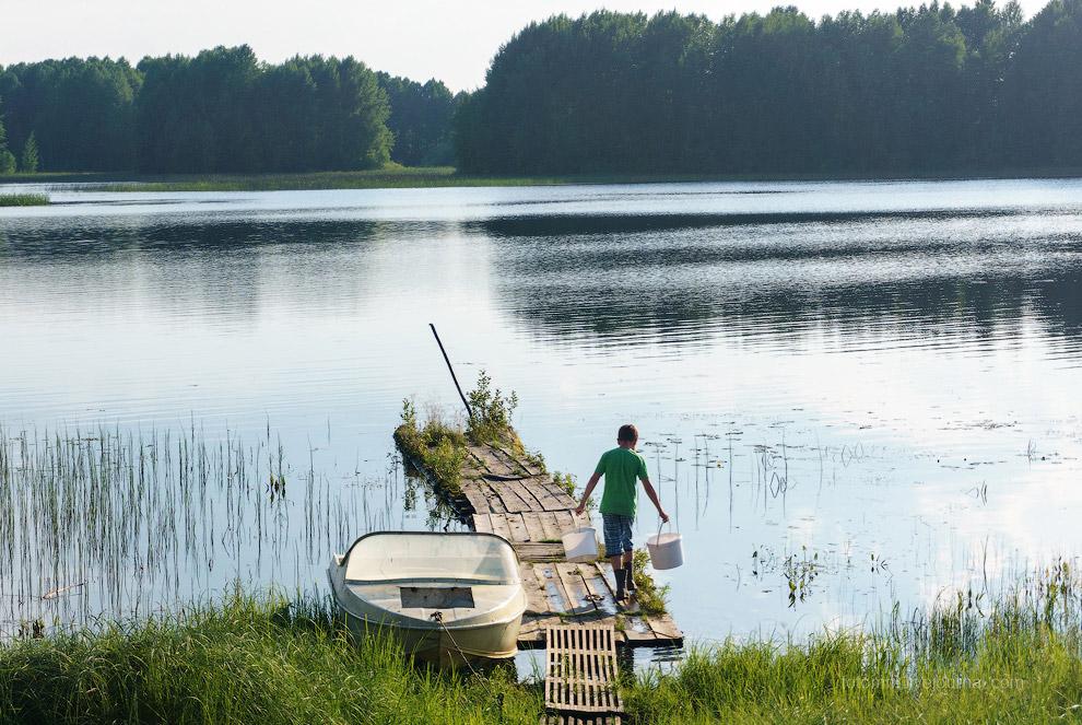8. Но наша цель — остров Мыза, на него можно попасть без лодки — по небольшому настилу через во