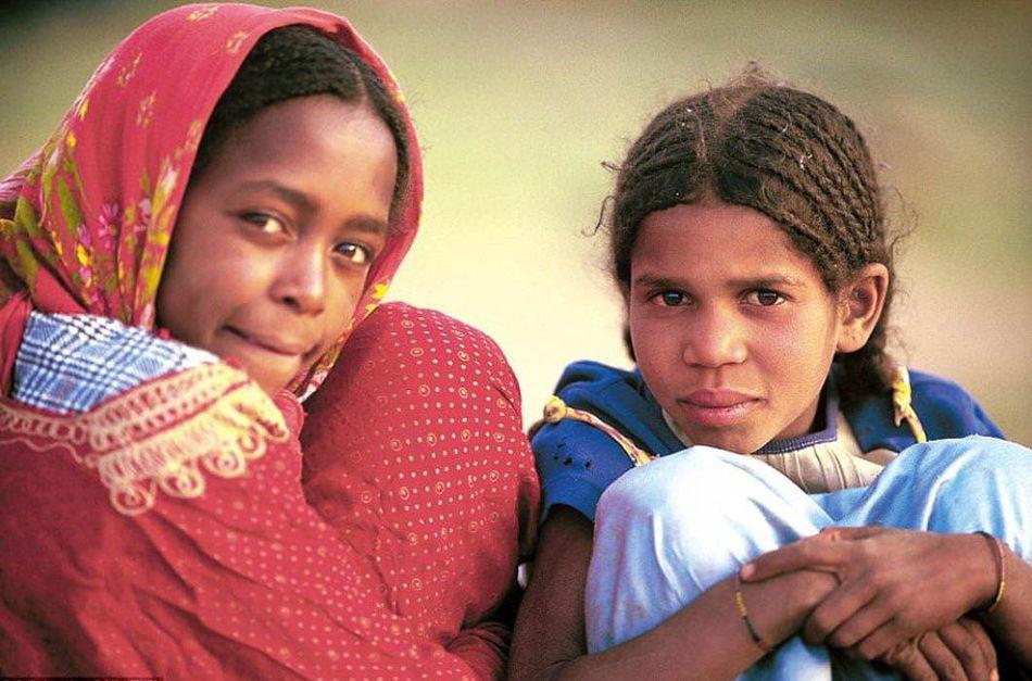 Туареги носят огромное количество украшений.