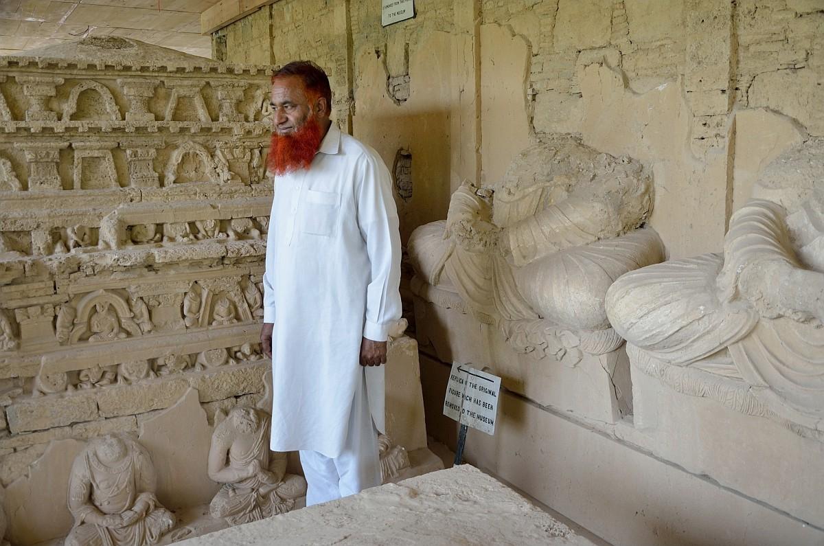 5-й день путешествия начался у нас с визита в археологическую зону Таксила, где находятся развалины