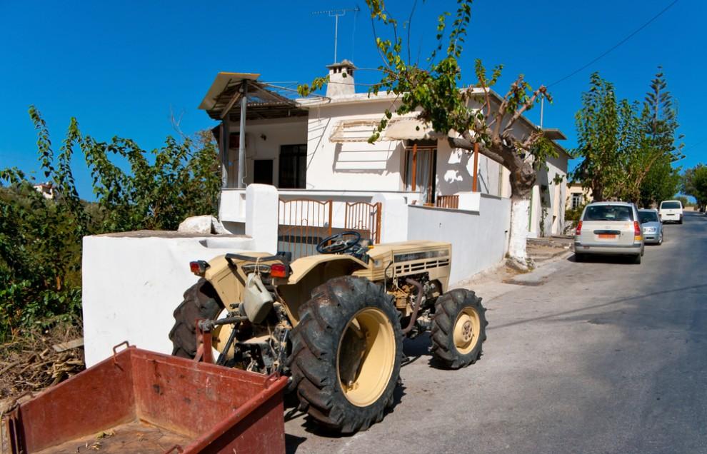 Ферруччо Ламборгини производил тракторы еще до суперкаров. Автомобилями он, конечно, увлекался с дет
