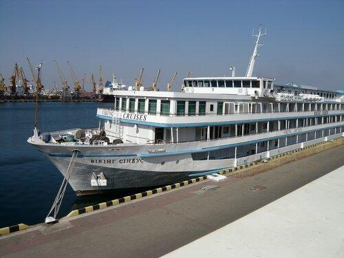 Круизное пассажирское судно типа «река-море» «Викинг Синеус»