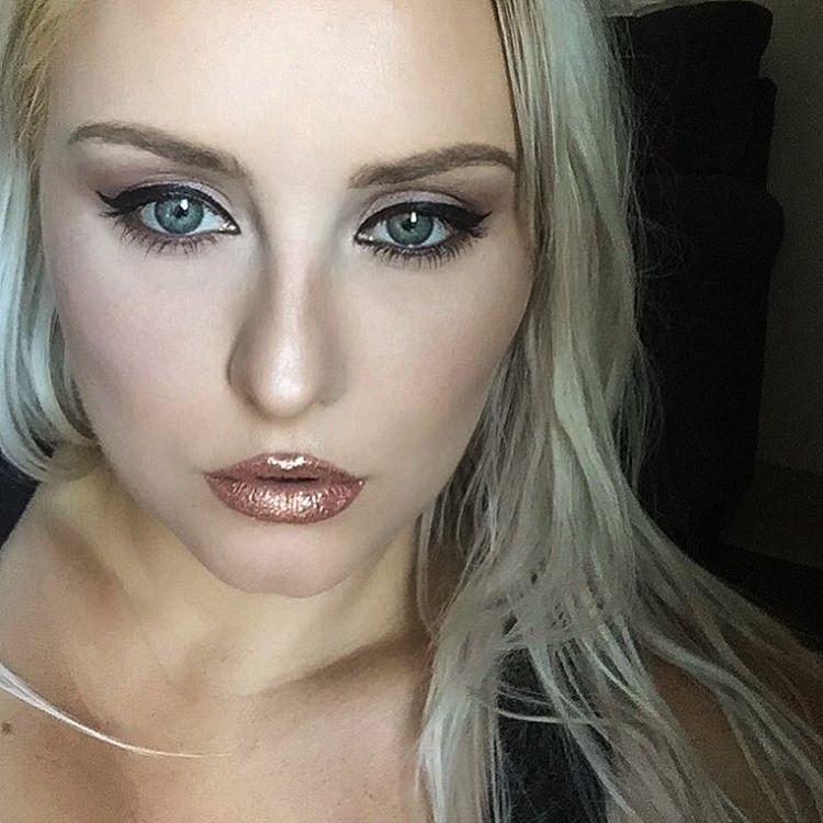 губы-в-глиттере-макияж-фото3.jpg