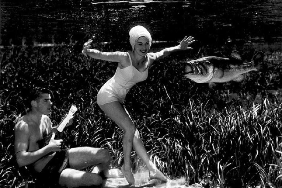 underwater-pinups-photography-1938-bruce-mozert-10-58930ee1b9de6-jpeg__700.jpg