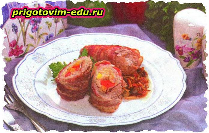 Румяные и ароматные рулетики из свинины