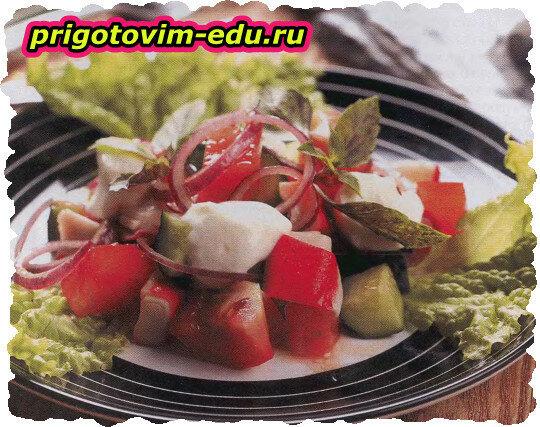 Салат из крабового мяса и моцареллы