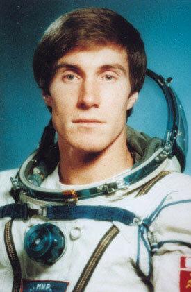 Космонавт дважды герой советского союза