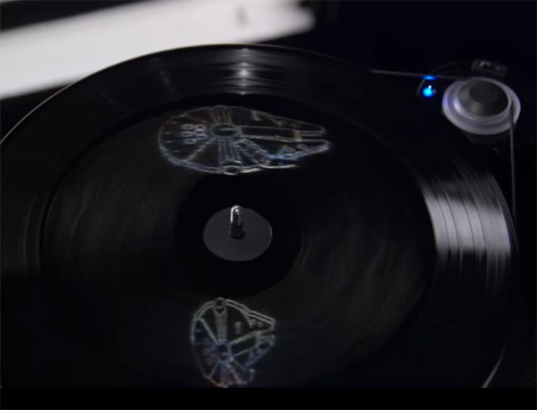 Star Wars - There are holograms etched on the vinyls of The Force Awakens!