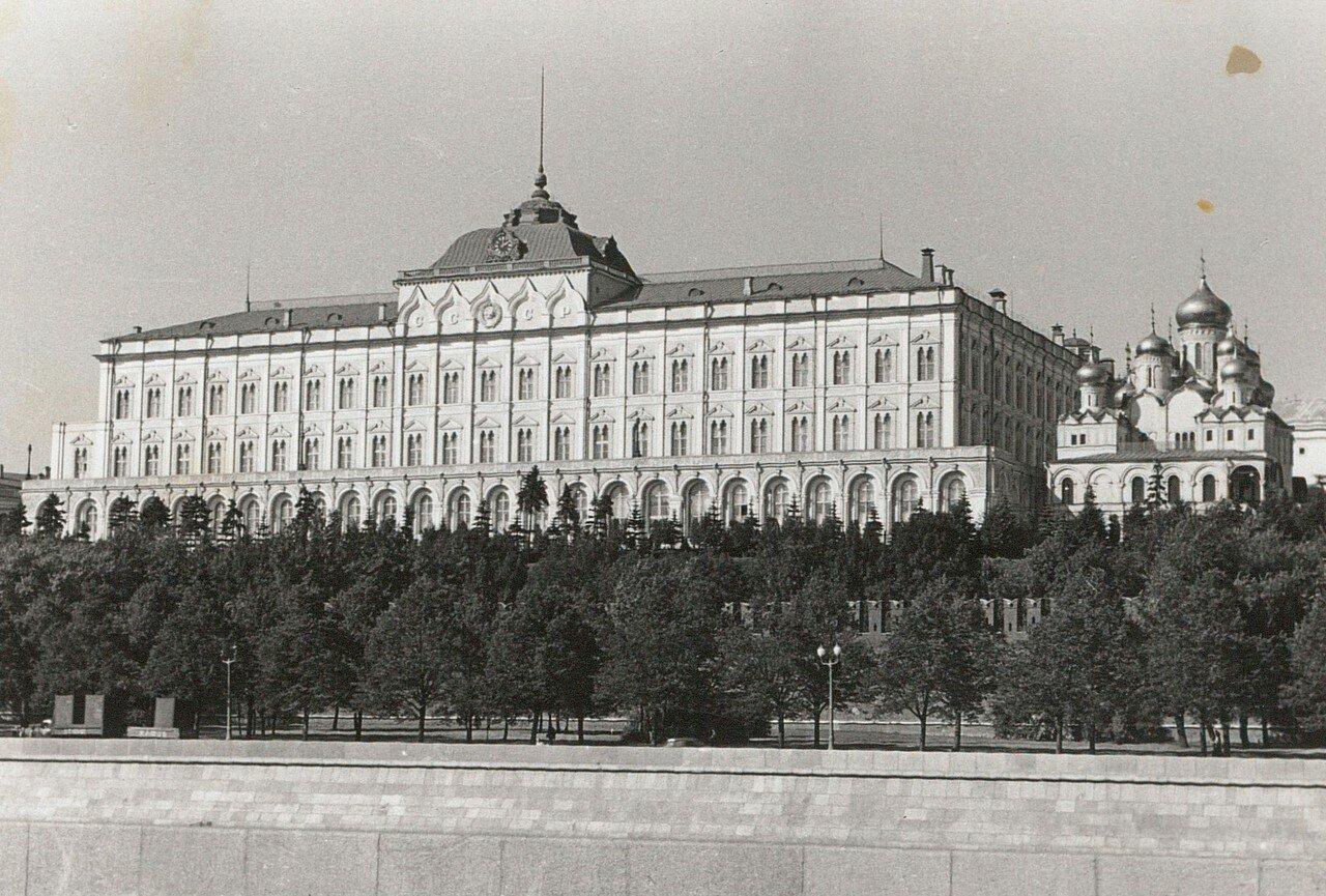 Кремль. Большой Кремлевский дворец и Благовещенский собор