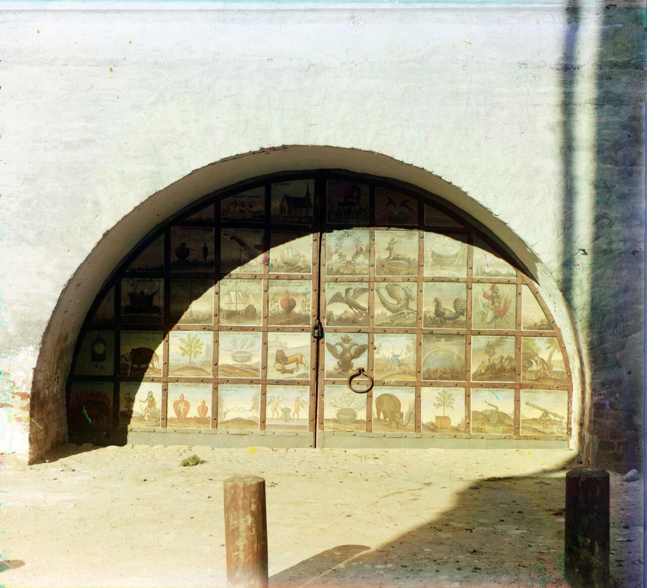 Наружные врата под Иераршии палаты