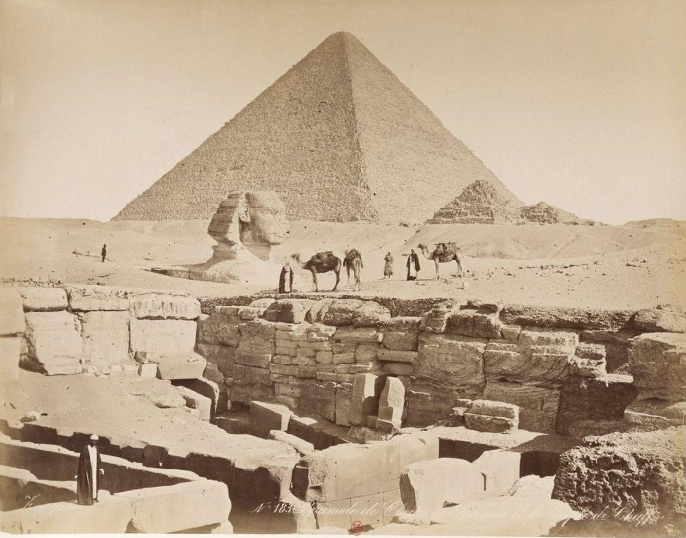Гиза. Сфинкс и пирамида Хеопса. 1885