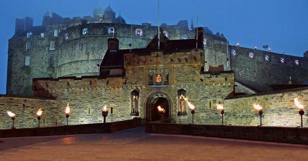 edinburgh-castle (1).jpg
