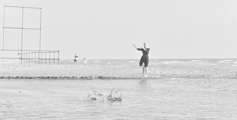 1960 - Сладкая жизнь (Федерико Феллини).jpg