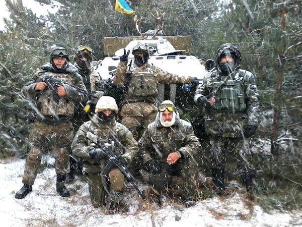 """""""Украинские воины - мужественные, бесстрашные! Сегодня, они являются нашими Миколаями, потому что ценой собственной жизни, дарят нам найдороще: мир, спокойствие, возможность встретить праздник."""""""