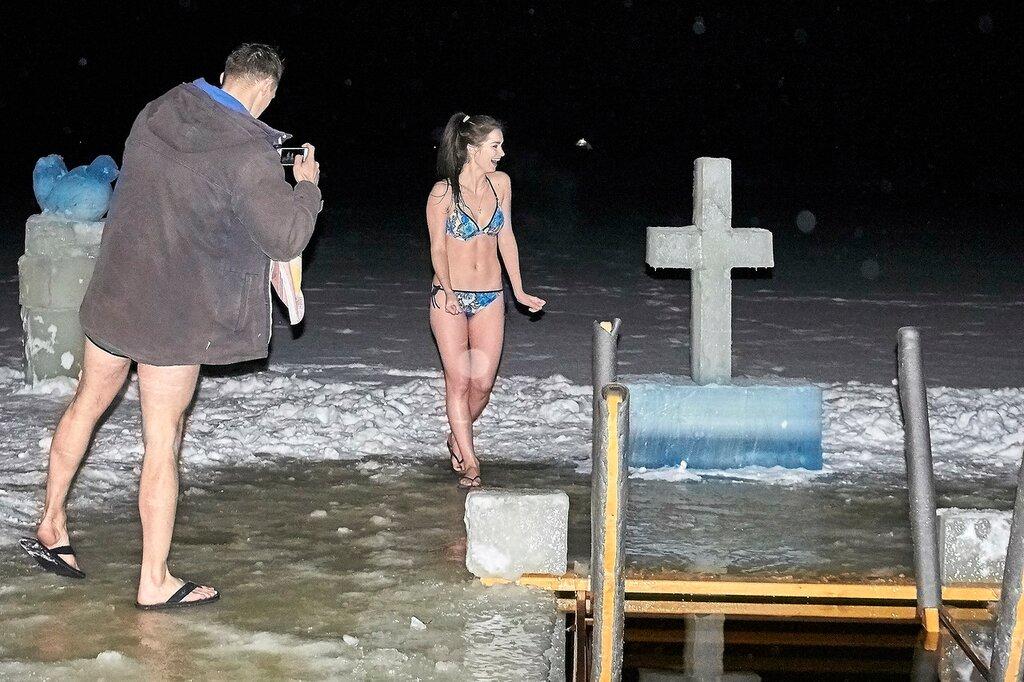 Фотосессия после купания в проруби