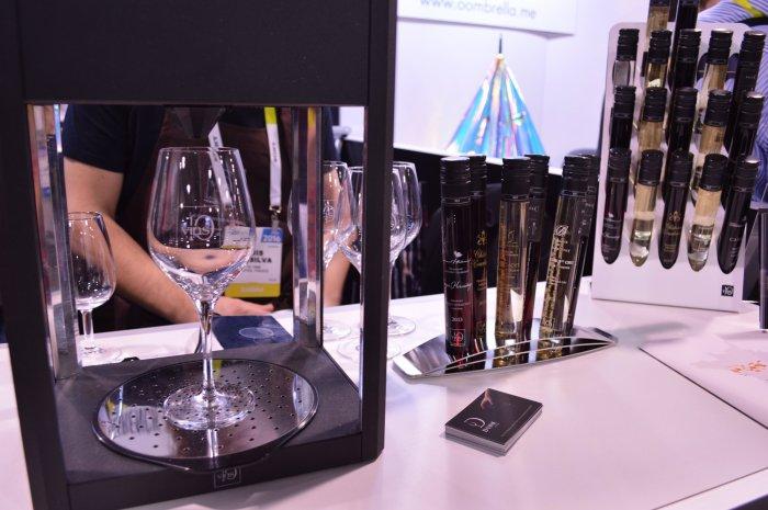 D-Vine Decanter: кому вина? Не очень обычное устройство для разлива вин. С помощью D-Vine Decanter м