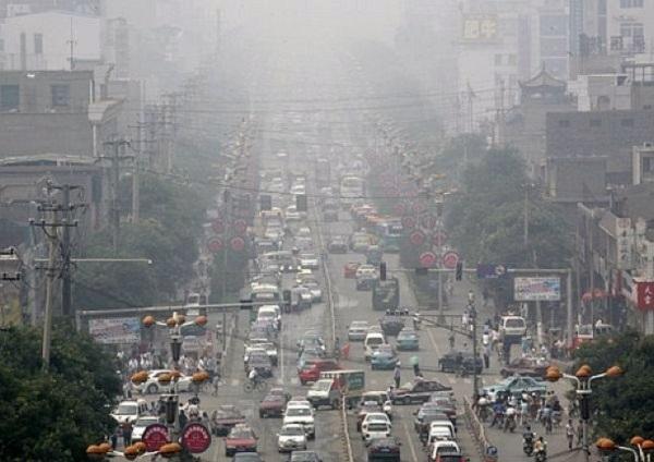 Более 3 миллионов жителей переживают последствия от сжигания угля на местных шахтах. Около 200 тысяч