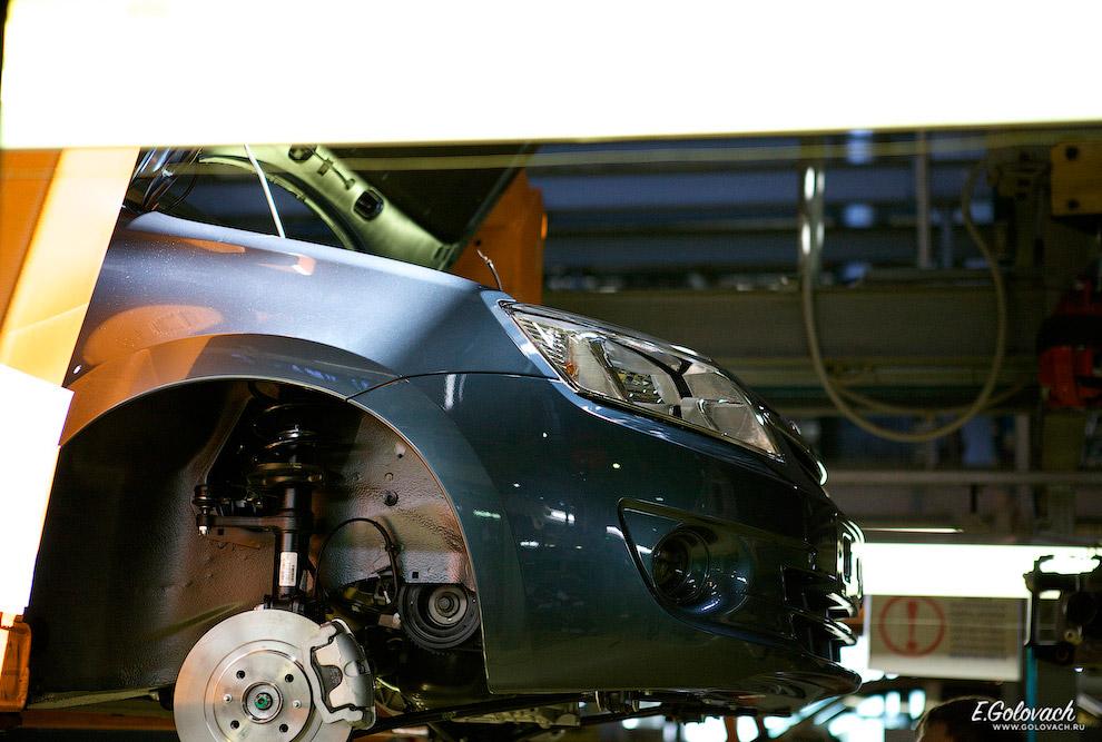 16. Очень строго следят за тем, чтобы все части машины, которые могут быть повреждены, были укр
