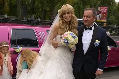 Мэр Глухова женился наукраинке, которая моложе его на24 года