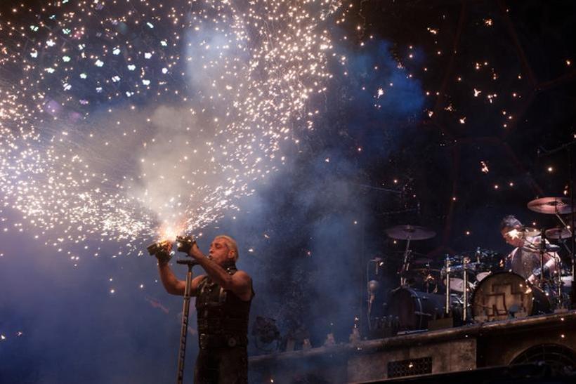 Фронтмен группы Rammstein представит в российской столице сборник стихов