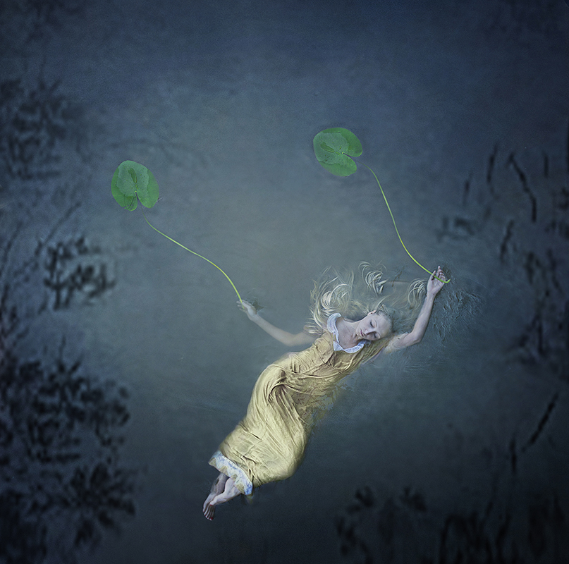 Fine art photographer Kylli Sparre ( previously ) has continued to create her dance-inspired photogr