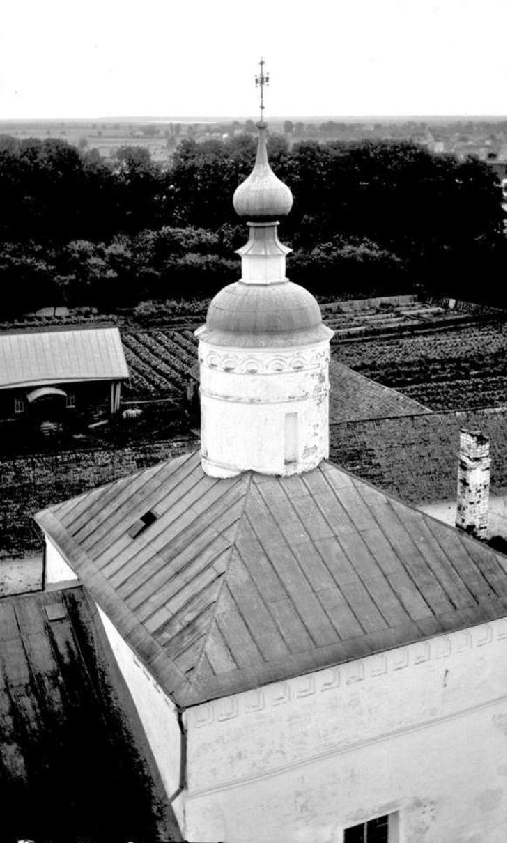 Антипиевская церковь. Вид сверху на четверик с главкой