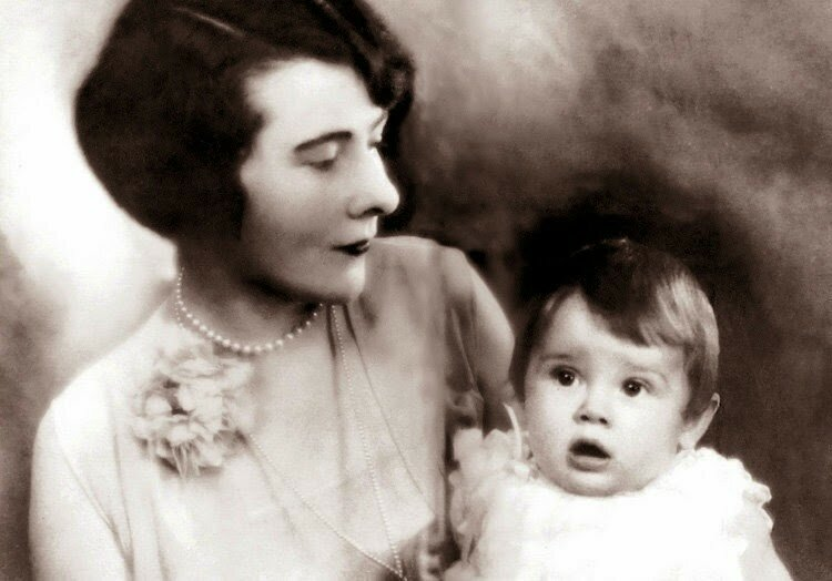 Ella Van Heemstra photographed with her daughter Audrey Hepburn, 1929. At the time this photograph was taken, baby Audrey wasn't even one years old.jpg
