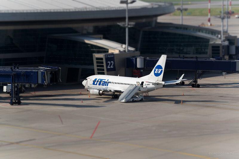 Boeing 737-524 (VQ-BPP) ЮТэйр 0010_D804389