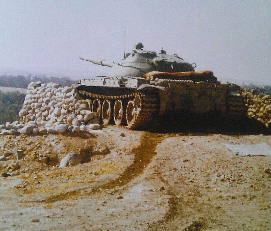 A4iVb5zm-E4.jpg