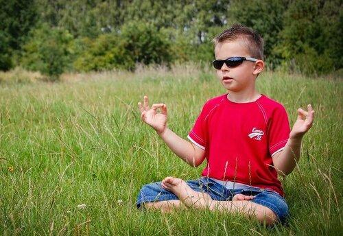 В столичном лицее детей обучают медитации за 700 леев