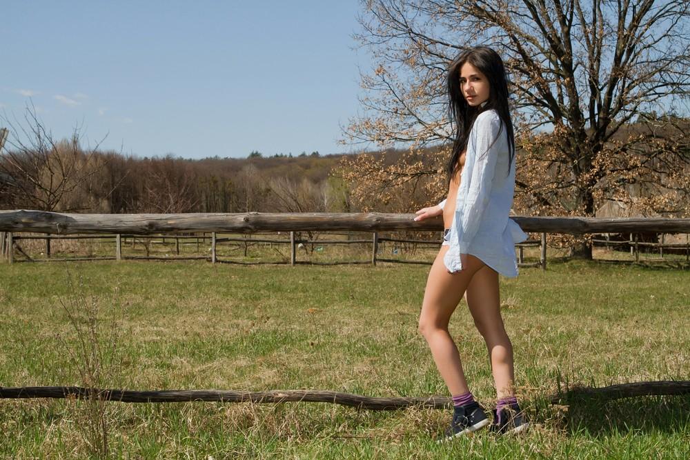 Malina прогулялась по сельской местности