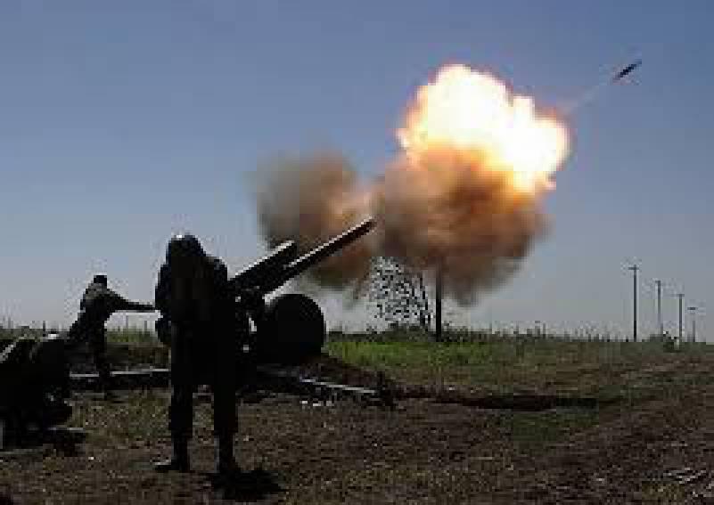 Противник продолжает обстрелы позиций ВСУ из минометов и гранатометов на всех направлениях, - пресс-центр штаба АТО