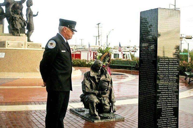 22 самых впечатляющих памятника жертвам терактов 11 сентября 2001 года
