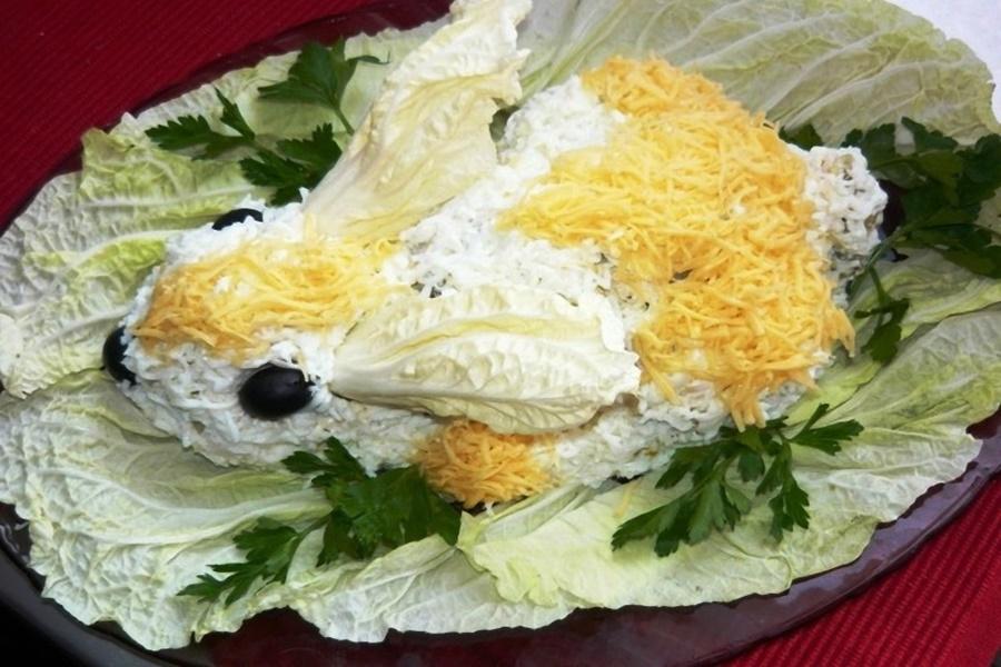 Салат «Белый кролик» («Новогодний кролик»)   праздничные блюда