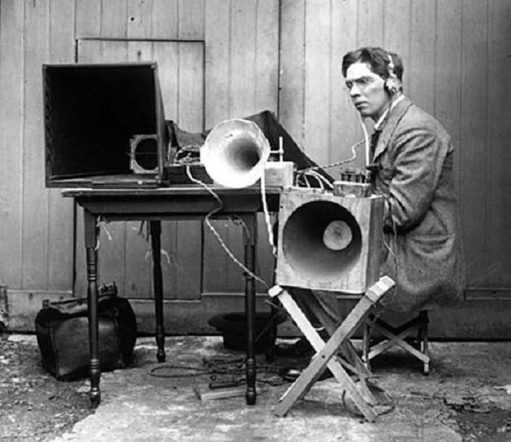 4. Дроны Такое чудо инженерной мысли, как дрон, можно было наблюдать еще в далеком 1916году бл