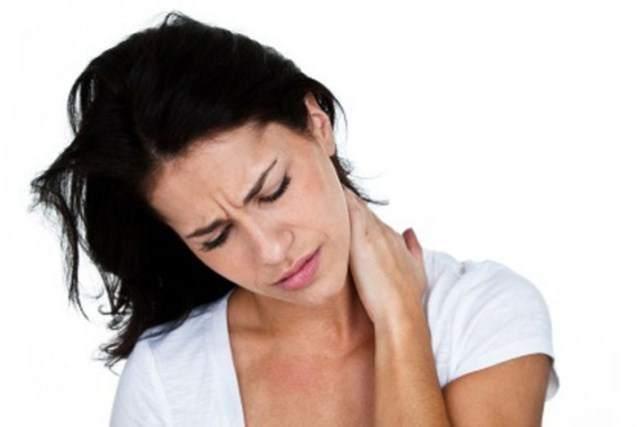 2. Фибромиалгия Основными симптомами этого синдрома считаются боль, распространяющаяся по всему телу