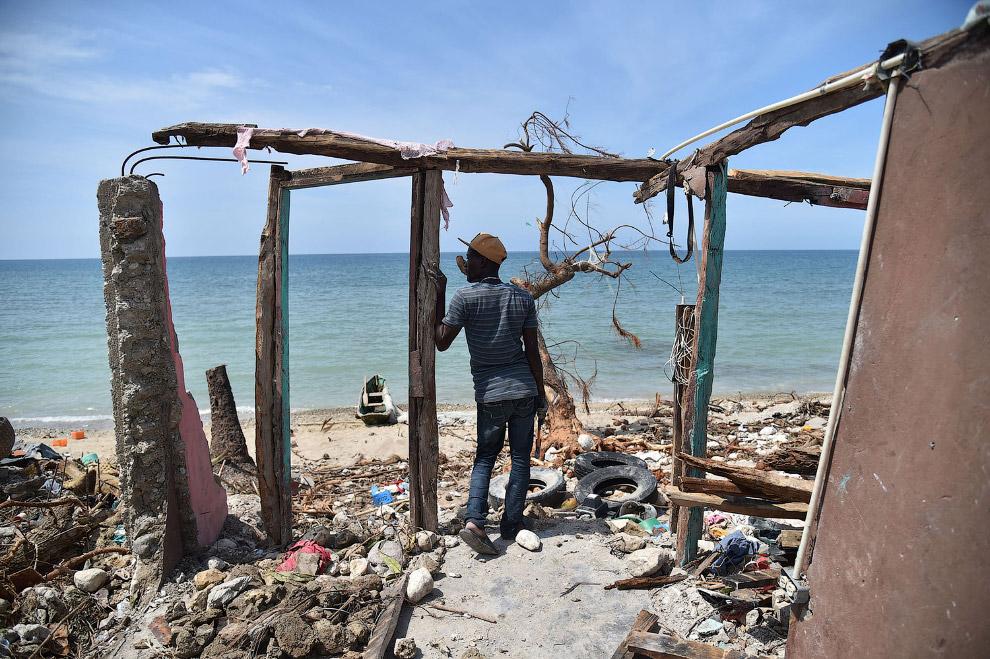 6. Дома, разрушенные ураганом Мэтью на Гаити, 10 октября 2016. (Фото Andres Martinez Casares |