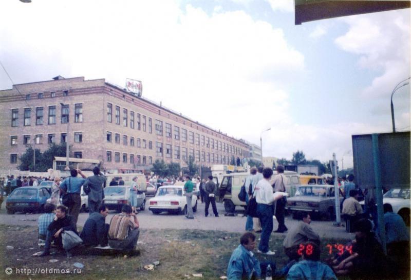 11. Массовое разорение вкладчиков могло кончиться и восстанием, как в Албании 1997-го, но весь