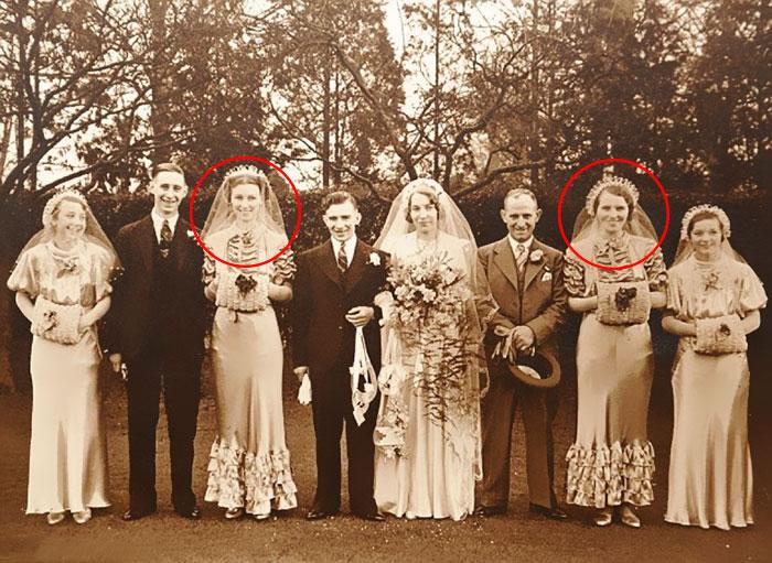 Айрин (вторая справа) и Филлис (третья слева) на свадьбе Дороти (в центре) с отцом (третий справа).