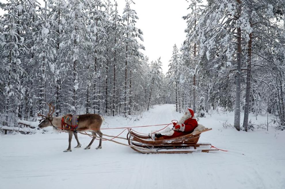 Деревня Санта-Клауса за полярным кругом в Лапландии