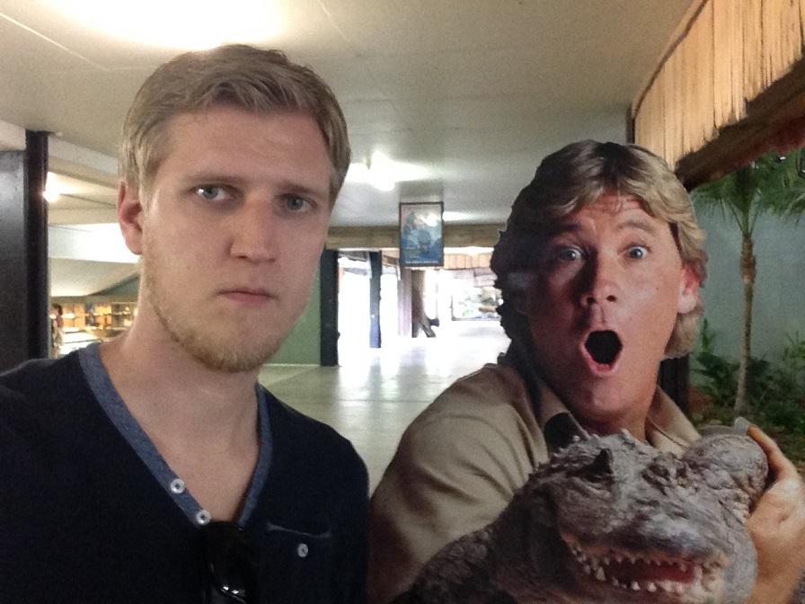 «Вот зоопарк меня немного взбодрил. Оказывается, Стив Ирвин жив (австралийский натуралист, прославив