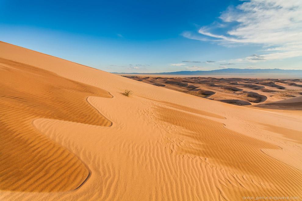 10. Песочное фото на память. Я готов часами сидеть на теплом песке и просто созерцать. Здесь не